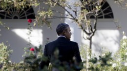 US President Barack Obama walks through the Rose Garden after attending an event on the South Lawn in which he welcomed the Cleveland Cavaliers to the White House to honor the team and their 2016 NBA Championship, in Washington, DC, USA, 10 November 2016. EPA, MICHAEL REYNOLDS