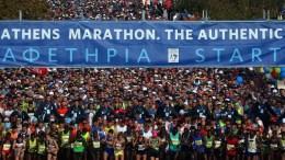 Χιλιάδες δρομείς ξεκινούν από τον Τύμβο του Μαραθώνα τον 34ο Αυθεντικό Μαραθώνιο της Αθήνας, την Κυριακή 13 Νοεμβρίου 2016. Περισσότεροι από 50.000 δρομείς, από όλο τον κόσμο, συμμετέχουν στον 34ο Αυθεντικό Μαραθώνιο της Αθήνας. Ο αριθμός των δρομέων φέτος αποτελεί και ένα νέο ρεκόρ για το σημαντικό αυτό θεσμό. ΑΠΕ-ΜΠΕ/ΑΠΕ-ΜΠΕ/ΟΡΕΣΤΗΣ ΠΑΝΑΓΙΩΤΟΥ