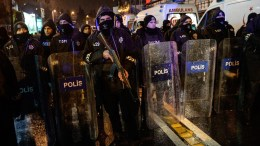 Armed Turkish riot police officers secure the area after a gun attack on Reina, a popular night club in Istanbul, near by the Bosphorus, Turkey, 01 January 2017. At least 35 people were killed and 40 others were wounded in the attack, local media reported. EPA, STR TURKEY OUT