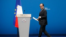 French President Francois Hollande.  EPA/JACKY NAEGELEN / POOL MAXPPP OUT