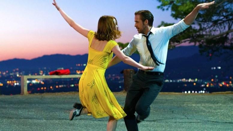 """Σκηνή από την ταινία """" LA La Land """" φαβορί για τις Χρυσές Σφαίρες . Φωτογραφία ΑΠΕ-ΜΠΕ"""