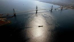 Έκλεισε η γέφυρα Ρίου – Αντιρρίου. ΑΠΕ-ΜΠΕ/ ΓΟΥΛΙΑΜΑΚΗ ΛΟΥΙΖΑ