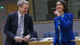 Mr Poul THOMSEN, Director of the European Department of the IMF with Delia Velculescu. Copyright: European Union