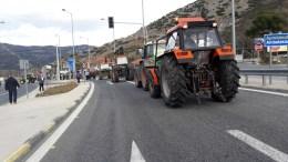 Στις 12 το μεσημέρι αναμένεται να ξεκινήσει ο συμβολικός 24ωρος αποκλεισμός του τελωνείου Κρυσταλλοπηγής στα σύνορα της Ελλάδας με την Αλβανία . ΑΠΕ ΜΠΕ/STR