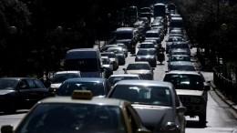 FILE PHOTO.  Αυξημένα μέτρα της Τροχαίας για τον εορτασμό της 28ης Οκτωβρίου και απαγόρευση κυκλοφορίας φορτηγών άνω του 1,5 τόνου . ΑΠΕ-ΜΠΕ/ΟΡΕΣΤΗΣ ΠΑΝΑΓΙΩΤΟΥ