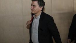 Ο υπουργός Οικονομικών Ευκλείδης Τσακαλώτος προσέρχεται για την συνάντησή του με τους θεσμούς, Αθήνα Τρίτη 28 Φεβρουαρίου 2017. ΑΠΕ-ΜΠΕ/ΓΙΑΝΝΗΣ ΚΟΛΕΣΙΔΗΣ