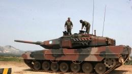 ΦΩΤΟΓΡΑΦΙΑ ΑΡΧΕΙΟΥ. Άρμα μάχης Leopard II του Ελληνικού Στρατού. ΑΠΕ ΜΠΕ/ΧΑΡΗΣ ΙΟΡΔΑΝΙΔΗΣ