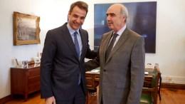 Ο πρόεδρος της Νέας Δημοκρατίας Κυριάκος Μητσοτάκης και ο πρώην πρόεδρο του κόμματος Ευάγγελο Μεϊμαράκη. ΑΠΕ-ΜΠΕ/ΓΡΑΦΕΙΟ ΤΥΠΟΥ ΝΔ/ΔΗΜΗΤΡΗΣ ΠΑΠΑΜΗΤΣΟΣ