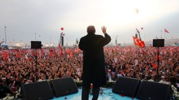 Turkish President Recep Tayyip Erdogan speaks during a 'Vote Yes' rally in Istanbul, Turkey, 08 April 2017.  EPA, TURKISH PRESIDENT PRESS OFFICE HANDOUT, EDITORIAL USE ONLY