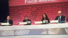 Ο Διευθυντής του τομέα Δημοσιονομικών Υποθέσεων του Ταμείου  Βίτορ Γκασπάρ. Φωτογραφία via Twitter, @nasoskook