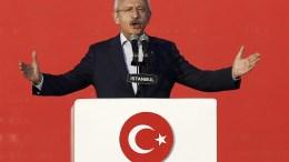 Kemal Kilicdaroglu (back-C), leader of the Republican People's Party (CHP). EPA, SEDAT SUNA