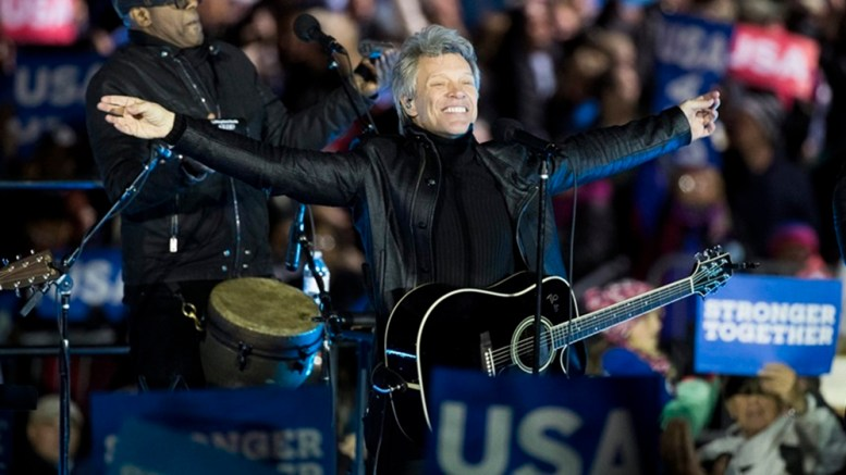 US musician Jon Bon Jovi performs in front of the Independence Hall before a campaign rally with Democratic presidential candidate Hillary Clinton on the day before election day on Independence Mall in Philadelphia, Pennsylvania, USA, 07 November 2016.  EPA/JUSTIN LANE