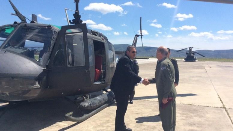 Ο υπουργός Εθνικής Άμυνας Πάνος Καμμένος πραγματοποίησε πτήση με ελικόπτερο τύπου UH-1H πάνω από τον τόπο του δυστυχήματος, Παρασκευή 21 Απριλίου 2017. ΑΠΕ-ΜΠΕ/ΓΡΑΦΕΙΟ ΤΥΠΟΥ ΥΠΕΘΑ/STR