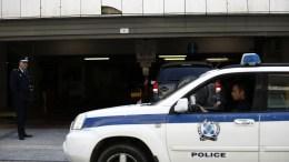 Στον εισαγγελέα το απόγευμα ο 52χρονος που συνελήφθη για αρπαγή, κακοποίηση και βιασμό 20χρονης φοιτήτριας στην Δάφνη. ΑΠΕ-ΜΠΕ/ΓΙΑΝΝΗΣ ΚΟΛΕΣΙΔΗΣ