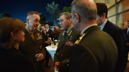 US Chariman of the Joint Staff General Joseph Dunford (L) and Russian Chief of General Staff General Valery Gerasimov (C). EPA, TURKISH ARMED FORCES GENERAL STAFF PRESS OFFICE HANDOUT, EDITORIAL USE ONLY