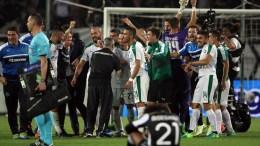 Οι παίκτες του ΠΑΝΑΘΗΝΑΪΚΟΥ πανηγυρίζουν για τη νίκη τους μετά το τέλος του αγώνα ΠΑΟΚ ΠΑΝΑΘΗΝΑΪΚΟΣ για τα πλέϊ οφ του Πρωταθλήματος της Σούπερ Λιγκ, στο γήπεδο της Τούμπας, την Τετάρτη 31 Μαΐου 2017. Τελικό αποτέλεσμα ΠΑΟΚ ΠΑΝΑΘΗΝΑΪΚΟΣ 2 - 3. ΑΠΕ-ΜΠΕ, Pixel, ΣΩΤΗΡΗΣ ΜΠΑΡΜΠΑΡΟΥΣΗΣ