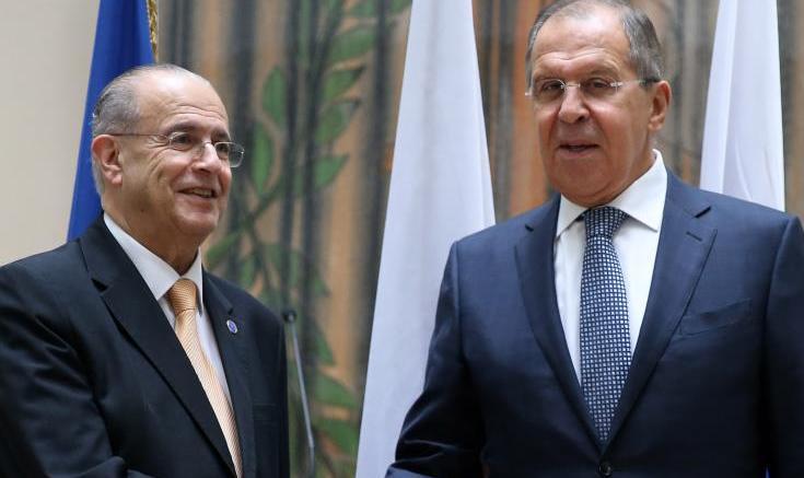 Οι υπουργοί Εξωτερικών Κύπρου και Ρωσίας Κασουλίδης και Λαβρόφ. Φωτογραφία ΚΥΠΕ.