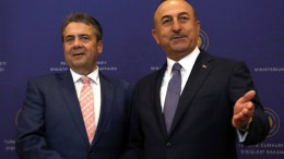 Turkish Foreign Minister Mevlut Cavusoglu (R) shake hands with German Foreign Minister Sigmar Gabriel (L) before their meeting in Ankara, Turkey, 05 June 2017. Gabriel is in Ankara for bilateral talks expected to focus on the access for German MPs to visit Turkey's Incirlik air base where German Bundeswehr soldiers are deployed within the scope of NATO missions. EPA/TUMAY BERKIN