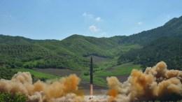 Εκτόξευση βαλλιστικού πυραύλου από τη Βόρεια Κορέα. EPA, KCNA
