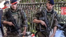 FILE PHOTO: French soldiers set up a security perimeter in Levallois-Perret, near Paris. EPA, CHRISTOPHE PETIT TESSON