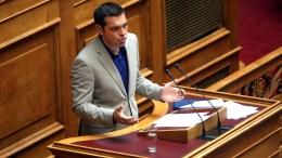 Ο πρωθυπουργός Αλέξης Τσίπρας μιλάει από το βήμα της Βουλής. ΦΩΤΟΓΡΑΦΙΑ ΑΡΧΕΙΟΥ. ΑΠΕ-ΜΠΕ/ΟΡΕΣΤΗΣ ΠΑΝΑΓΙΩΤΟΥ