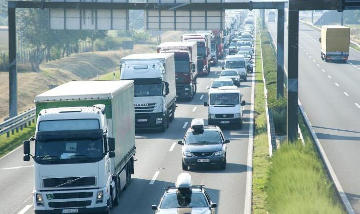 Αποκλεισμός αυτοκινητόδρομου στη Βρετανία λόγω ύποπτου αντικειμένου. Φωτογραφία ΚΥΠΕ.