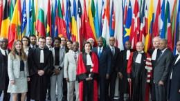 Η αντιπροσωπεία της Ακτής Ελεφαντοστού στο Διεθνές Δικαστήριο για το Δίκαιο της Θάλασσας, στο Αμβούργο. Φωτογραφία www.itlos.org