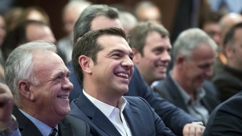 Ο πρωθυπουργός, Αλέξης Τσίπρας (Δ) με τον αντιπρόεδρο της κυβέρνησης Γιάννη Δραγασάκη (Α) ΑΠΕ-ΜΠΕ, ΓΡΑΦΕΙΟ ΤΥΠΟΥ ΠΡΩΘΥΠΟΥΡΓΟΥ, Andrea Bonetti