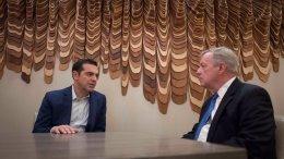 Ο Αλέξης Τσίπρας με τον γερουσιαστή Ντικ Ντάρμπιν. Φωτογραφία via Twitter.