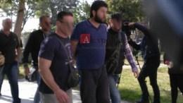 File Photo: Στο «μικροσκόπιο» των ελληνικών και ευρωπαϊκών αρχών οι διασυνδέσεις του Σύρου τζιχαντιστή. Ερευνούν τα τάμπλετ και το κινητό του. Δεν γνώριζε η γυναίκα του πως ο σύζυγός της συμμετείχε σε βασανιστήρια. Φωτογραφία Πρώτο Θέμα