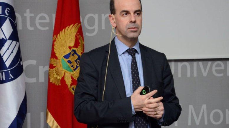 Ο Εμμανουήλ Τσεσμελής είναι Ανώτατος Φυσικός και Επικεφαλής Διεθνών Σχέσεων (για κράτη μη μέλη) του CERN και Επισκέπτης Καθηγητής στο Πανεπιστήμιο της Οξφόρδης στο Ηνωμένο Βασίλειο. Φωτογραφία από το αρχείο του.