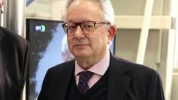 Ο επικεφαλής της Επιτροπής Διαδικασιών και Δεοντολογίας, καθηγητής Νίκος Αλιβιζάτος. ΑΠΕ-ΜΠΕ/ΑΠΕ-ΜΠΕ/ΣΥΜΕΛΑ ΠΑΝΤΖΑΡΤΖΗ