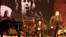 H ορχήστρα «Μίκης Θοδωράκης» μαζί με τη Σοφία Παπάζογλου και τον Κώστα Μακεδόνα (Δ), ερμηνεύουν κατά τη διάρκεια συναυλίας στο Πολιτιστικό Κέντρο του Καθεδρικού Ναού της Αναστάσεως του Χριστού στα Τίρανα, Σάββατο 18 Νοεμβρίου 2017. Την συναυλία διοργάνωσε η Αρχιεπισκοπή Τιράνων της Ορθοδόξου Αυτοκεφάλου Εκκλησίας της Αλβανίας, δια του συνδέσμου Ορθοδόξων Διανοουμένων. ΑΠΕ-ΜΠΕ/ STR