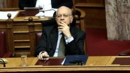 Ο υπουργός Οικονομίας Δημήτρης Παπαδημητρίου στην Ολομέλεια της Βουλής. . ΑΠΕ-ΜΠΕ, ΣΥΜΕΛΑ ΠΑΝΤΖΑΡΤΖΗ