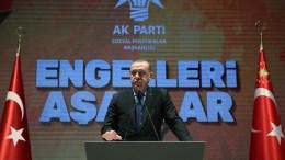 Ο Πρόεδρος της Τουρκίας Ταγίπ Ερντογάν μιλά σε παιδιά και αθλητές. Φωτογραφία Τουρκική Προεδρία