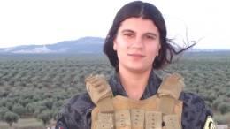 Η μαχητής του YPG Zuluh Hemo. Φωτογραφία via YPG/Twitter