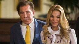 Real estate businessman Steve Wynn (L) and his wife Andrea Hissom (R) in the East Room of the White House in Washington, DC, USA. EPA, JIM LO SCALZO
