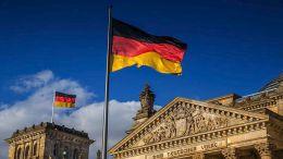 Η Γερμανία επωφελήθηκε περισσότερο από οποιαδήποτε άλλη χώρα από την κρίση και τα μέτρα στήριξης του Μάριο Ντράγκι, διαπιστώνει η εφημερίδα Il Foglio. AΠΕ-ΜΠΕ