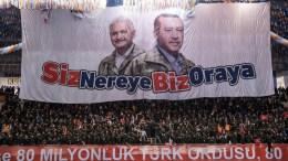 """Ο Τούρκος Πρωθυπουργός Μπιναλί Γιλντιρίμ απείλησε και πάλι Ελλάδα και Κύπρο με αφορμή τις εξελίξεις σε Αιγαίο και Ανατολική Μεσόγειο.  Πηγή: Απειλεί ο θρασύτατος Γιλντιρίμ: """"Μπορούμε να εξαλείψουμε κάθε κίνδυνο στο Αιγαίο"""". Photo via @BA_Yildirim, Twitter"""
