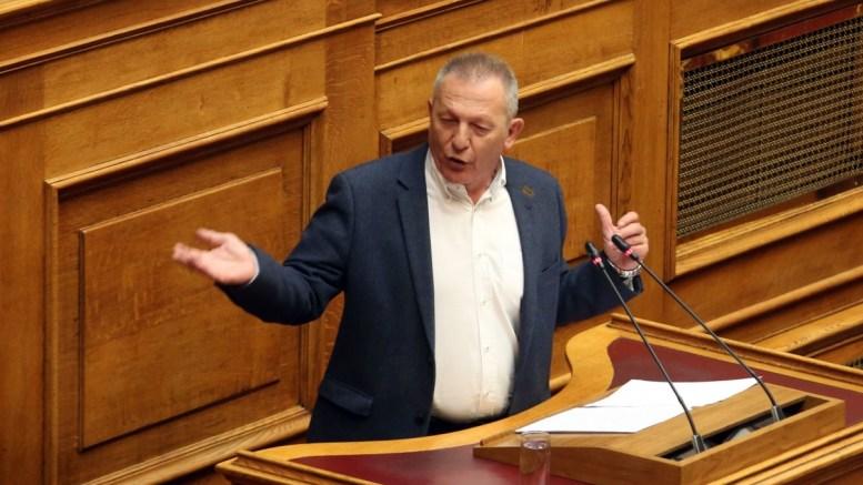 Ο κοινοβουλευτικός εκπρόσωπος του ΚΚΕ Θάνος Παφίλης μιλάει στη Βουλή. ΑΠΕ-ΜΠΕ, Αλέξανδρος Μπελτές