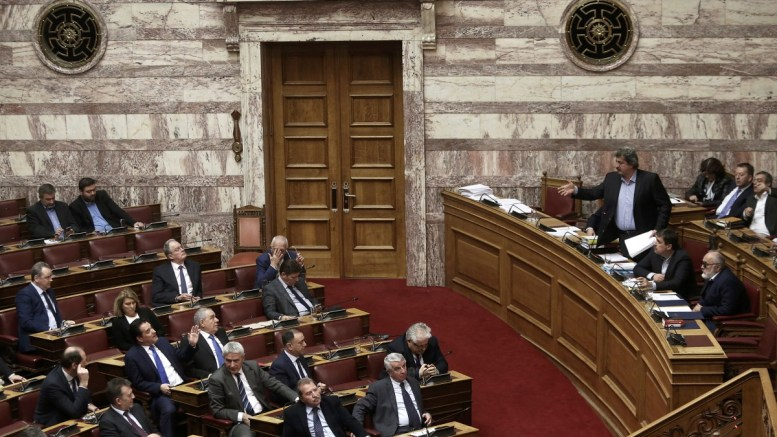 File Photo: Ο αναπληρωτής υπουργός Υγείας Παύλος Πολάκης (Δ) στη συζήτηση και ψηφοφορία επί της προτάσεως της κυβερνητικής πλειοψηφίας για τη συγκρότηση επιτροπής προκαταρκτικής εξέτασης για την υπόθεση NOVARTIS, στην Ολομέλεια της Βουλής. ΑΠΕ-ΜΠΕ, ΣΥΜΕΛΑ ΠΑΝΤΖΑΡΤΖΗ