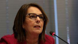 """Η  Παπανάτσιου σε συνέντευξη της, τονίζει ότι «το ΔΝΤ θα έπρεπε να μας έχει ανακοινώσει ήδη το αν θα συμμετάσχει ή όχι στο ελληνικό πρόγραμμα, για να πορευτούμε αναλόγως""""». Φωτογραφία ΑΠΕ-ΜΠΕ/ΑΠΕ-ΜΠΕ/Παντελής Σαΐτας"""