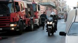 Πυροσβέστες επιχειρούν σε πυρκαγιά. Φωτογραφία αρχείου, ΑΠΕ-ΜΠΕ, Παντελής Σαίτας