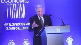Ο επίτροπος της ΕΕ Δημήτρης Αβραμόπουλος στο Οικονομικό Φόρουμ Δελφών. ΑΠΕ-ΜΠΕ, ΟΡΕΣΤΗΣ ΠΑΝΑΓΙΩΤΟΥ