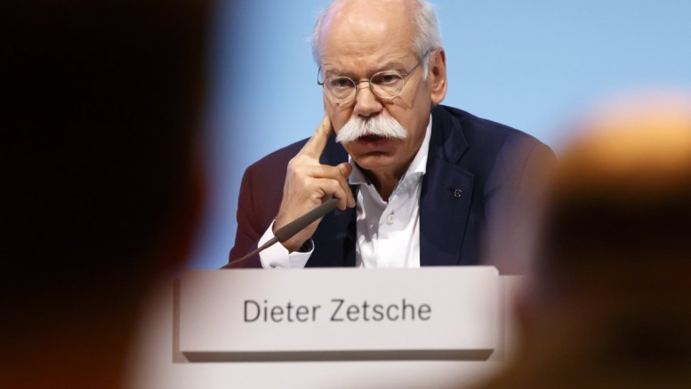 Dieter Zetsche (C), Chairman of the Board of Management of Daimler AG and Chief Executive Officer Mercedes-Benz Cars, speaks during the annual press conference in Stuttgart, Germany. EPA, RONALD WITTEK