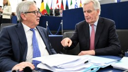 Jean-Claude Juncker (L), President of the European Commission, speaks with Michel Barnier (R) the European Chief Negotiator of the Task Force for the Preparation and Conduct of the Negotiations with the United Kingdom. EPA, PATRICK SEEGER