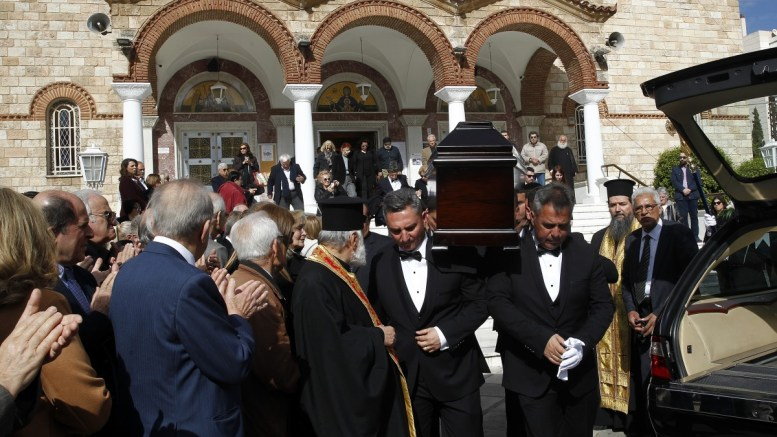 Συγγενείς και φίλοι παρίσταται στην κηδεία του Χρήστου Πασαλάρη, στην Παναγίτσα του Παλαιού Φαλήρου, Τετάρτη 14 Μαρτίου 2018. ΑΠΕ-ΜΠΕ/ΑΠΕ-ΜΠΕ, ΑΛΕΞΑΝΔΡΟΣ ΒΛΑΧΟΣ