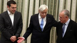 File Photo: Ο πρωθυπουργός κατά την πρόσφατη ορκωμοσία των νέων υπουργών και υφυπουργών. ΑΠΕ-ΜΠΕ, Αλέξανδρος Μπελτές