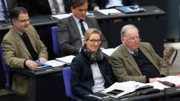 File Photo: Ο ακροδεξιός πολιτικός είχε σοκάρει τον Ιούνιο όταν έστειλε μηνύματα με το σύνθημα «Η Γερμανία για τους Γερμανούς» που χρησιμοποιούσε συχνά το νεοναζιστικό Εθνικό Δημοκρατικό Κόμμα.  EPA, FELIPE TRUEBA