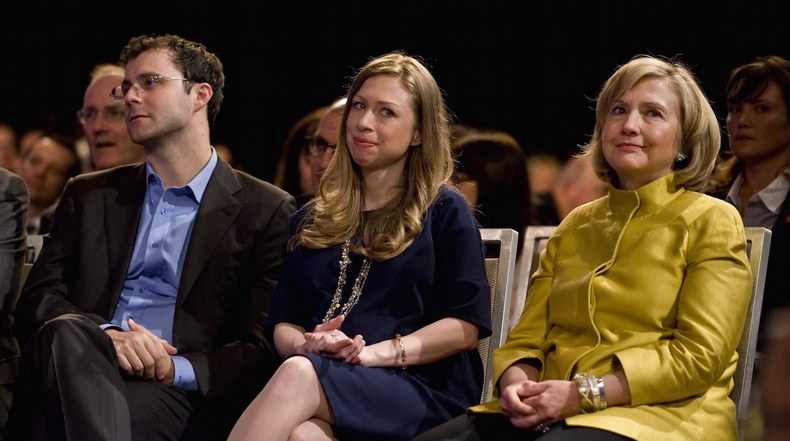 [:en]Hillary Clinton Shared Classified Information on Greek Debt, Bailout[:el]Η Κλιντον βοηθουσε τον γαμπρο της να «τζογαρει» στην ελληνικη κριση[:]